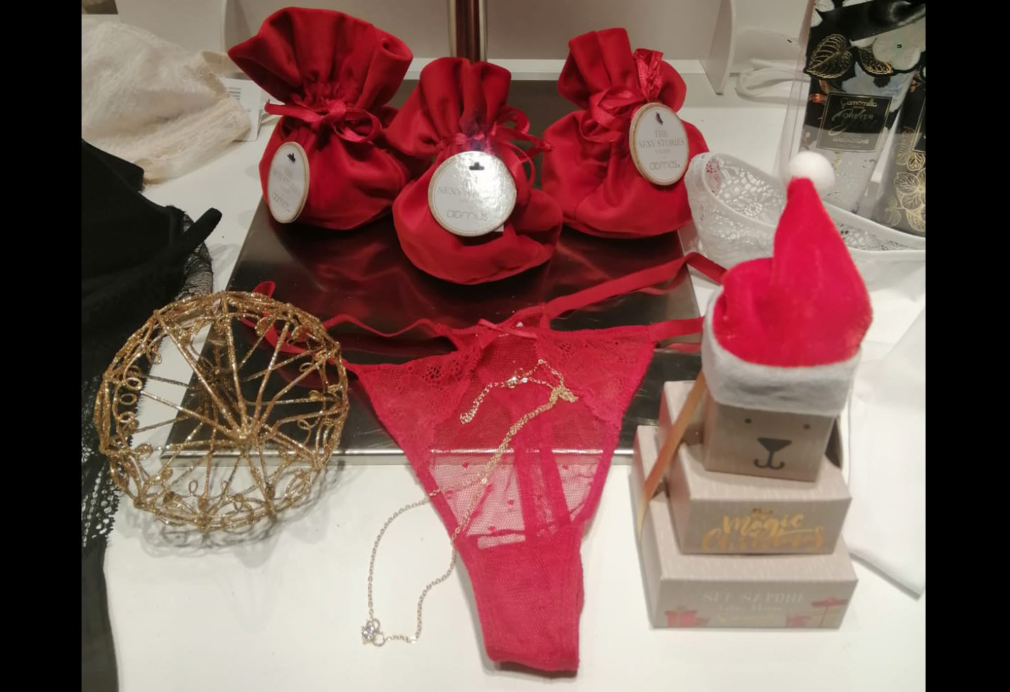 Rosso a Natale, ma anche a Capodanno: le origini di questa tradizione portafortuna!
